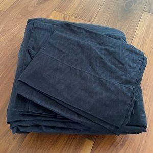 Black king sheet set Chevron design